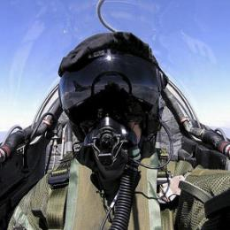 Fighter pilots' brains are 'more sensitive'