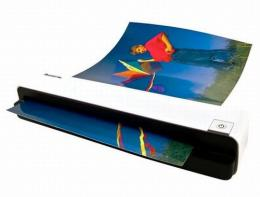 Gadgets: Scanner makes digitally archiving larger photos easier
