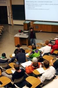 Gender gap in physics exams reduced by simple writing exercises, says CU-Boulder study