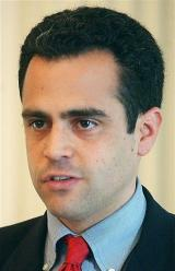 Google executive running for Vermont governor post (AP)