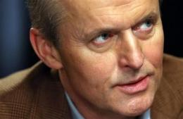 Grisham releases 'The Firm,' 22 others as e-books (AP)