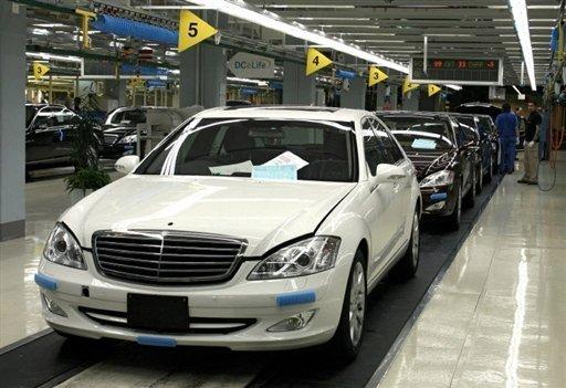 Daimler launches first german hybrid car for Mercedes benz germany internship