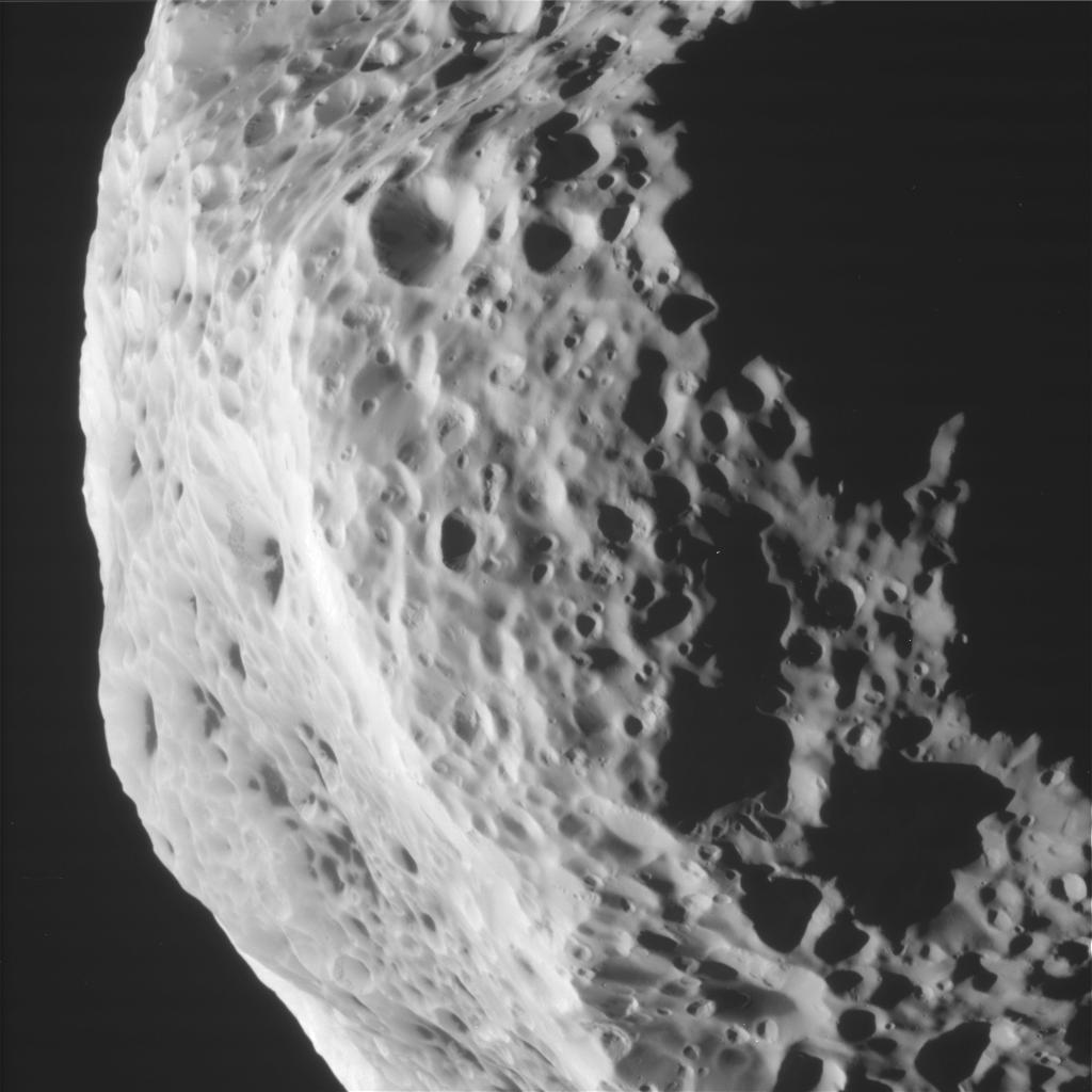 hyperion cassini spacecraft - photo #17