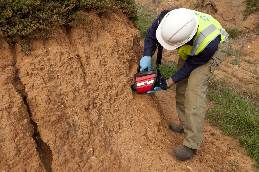 Portable device detects soil contamination for Soil contamination