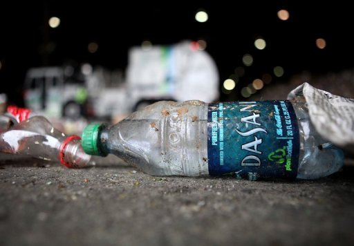 Us town bans bottled water for Floor 9 water bottle