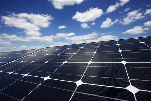 SolarCity to back up solar with Tesla batteries