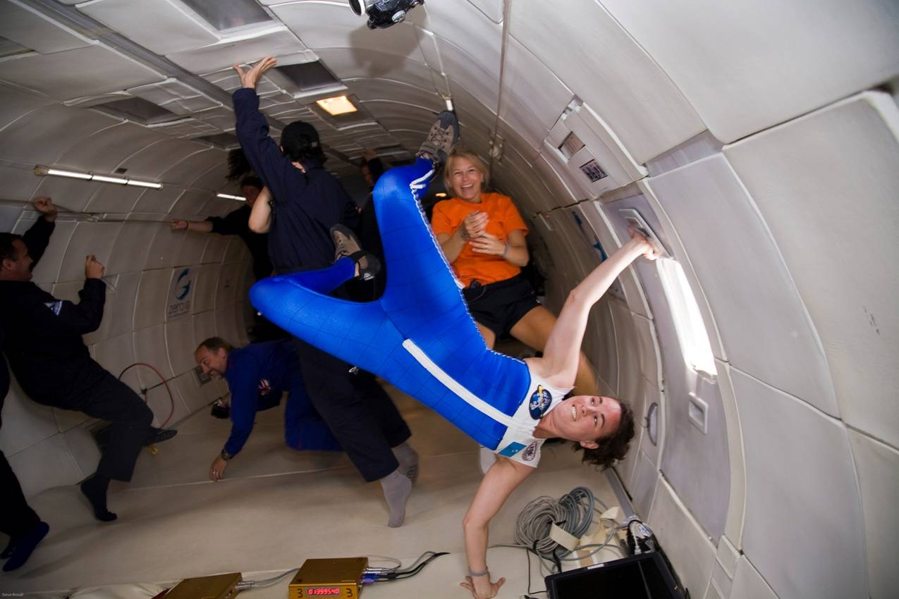 astronauts in space weightless - photo #35
