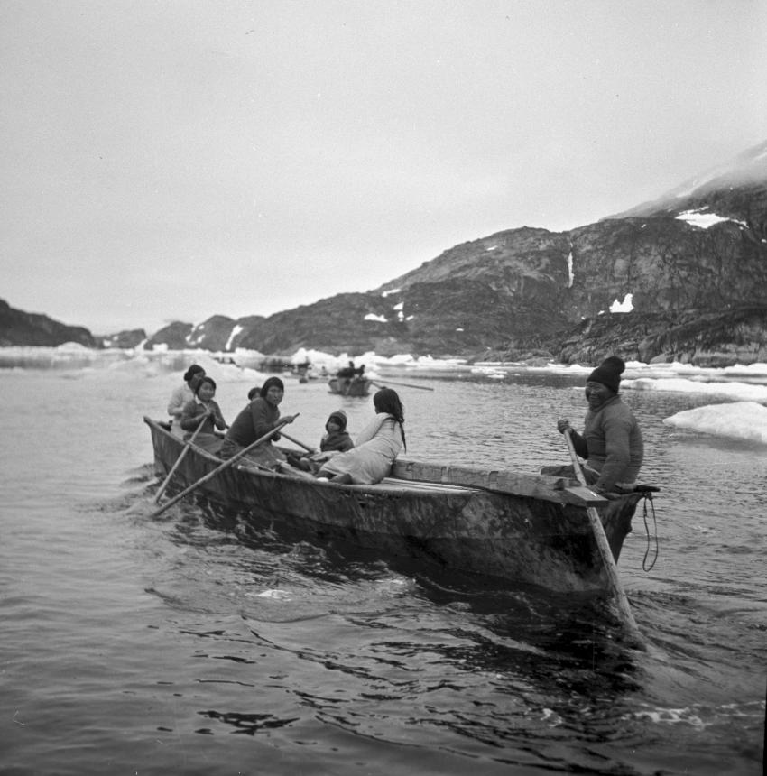 Inuit pictured in thei...