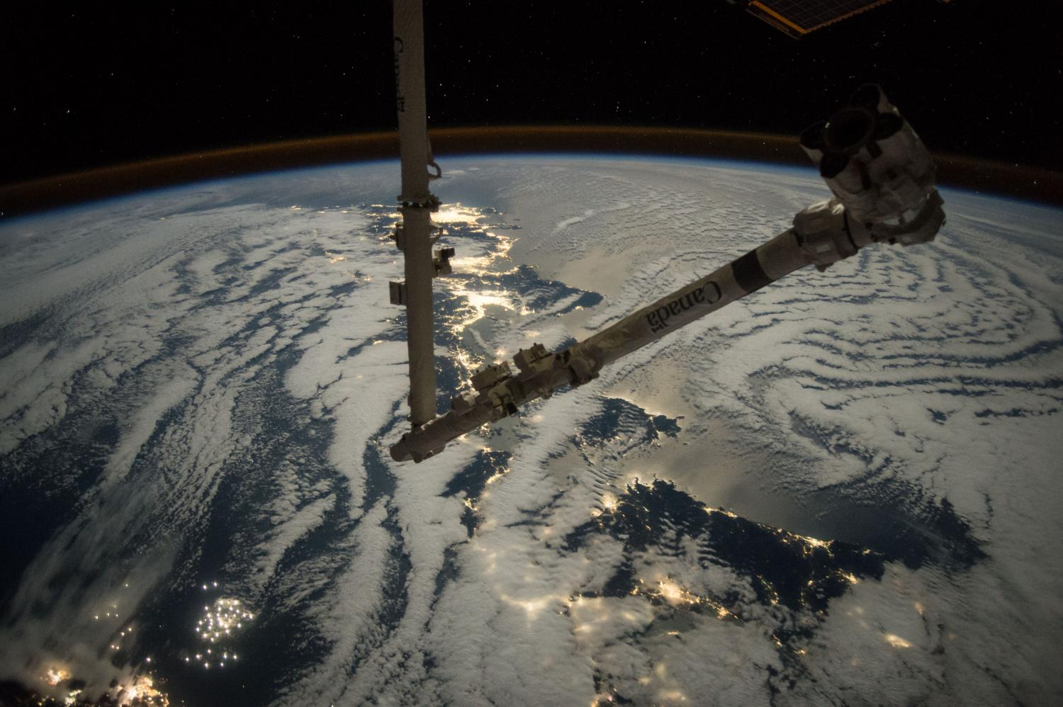 Space station's robotic arm set for arrival of Cygnus ...