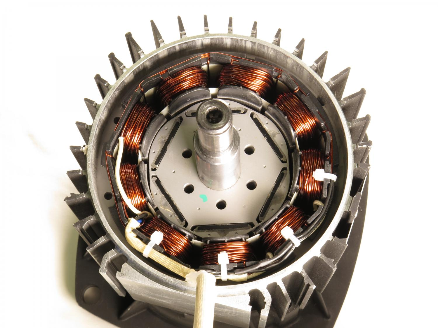 Improving electric motor efficiency via shape optimization High efficiency motors