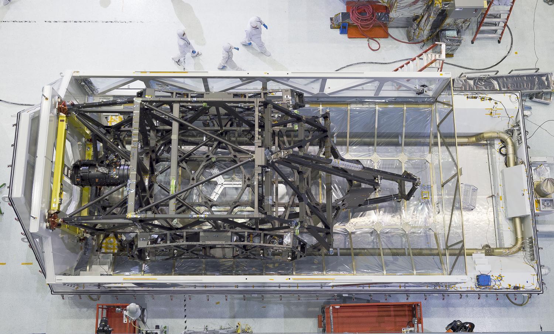 NASA-James-Webb-Space-Telescope-in-space-image-credit-James-Vaughan ...