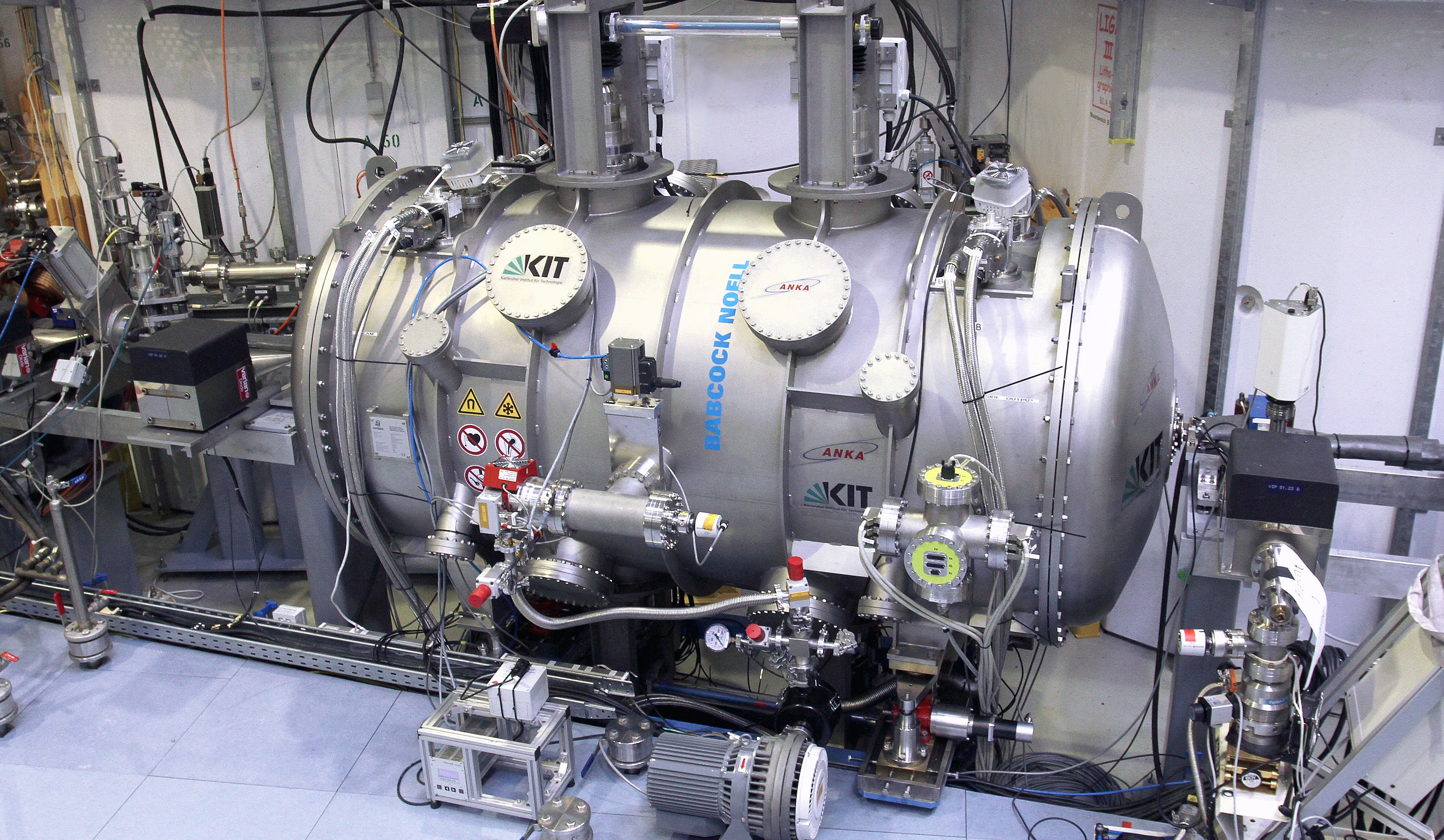 First Synchrotron Radiation Novelsuperco