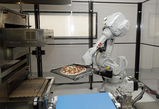 hungry startup uses robots to grab slice of pizza. Black Bedroom Furniture Sets. Home Design Ideas