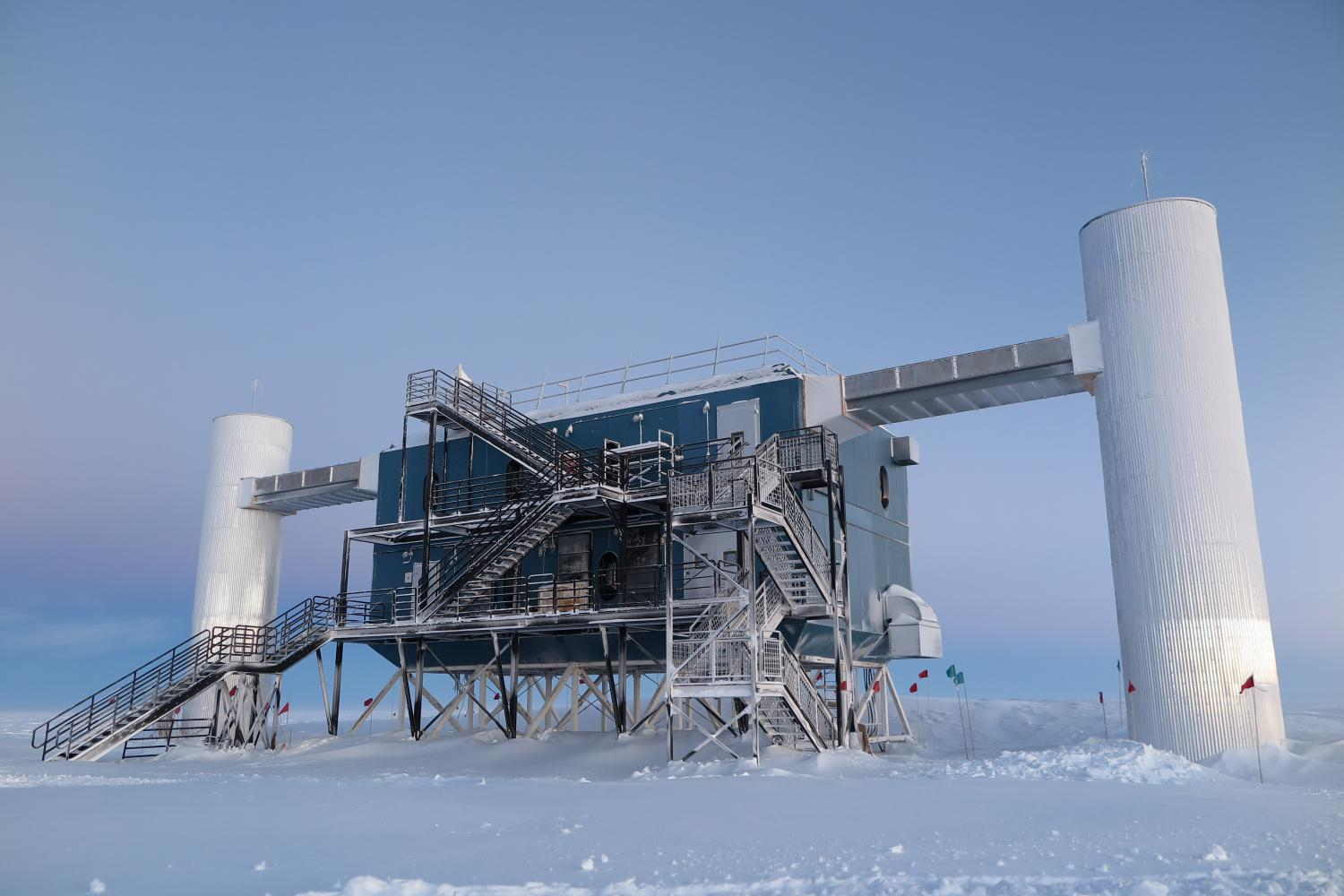 Sterile neutrino trial at IceCube Lab fails to give answers