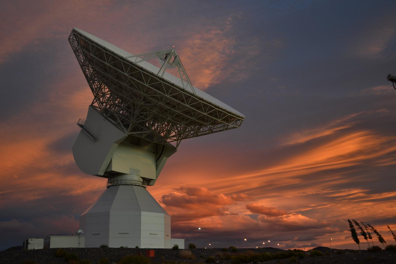 Image: The 35 m-diameter deep-space tracking station at ...