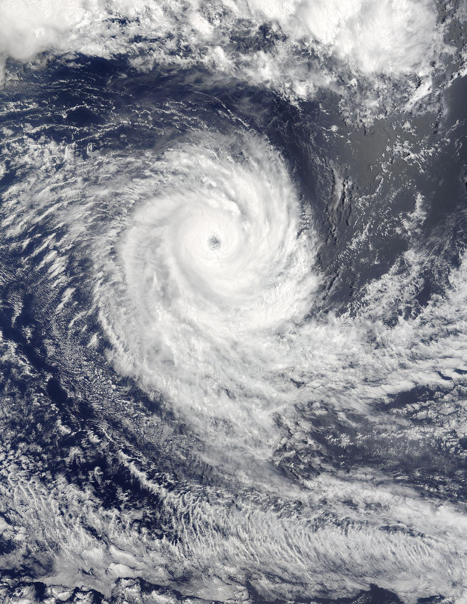 NASA's Terra satellite captured this visible image of Tropical Cyclone ...