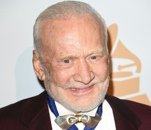 Moonwalker Buzz Aldrin medically evacuated from South Pole (Update)