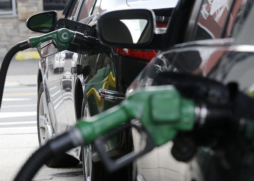 US average fuel economy at record high of 24.8 mpg