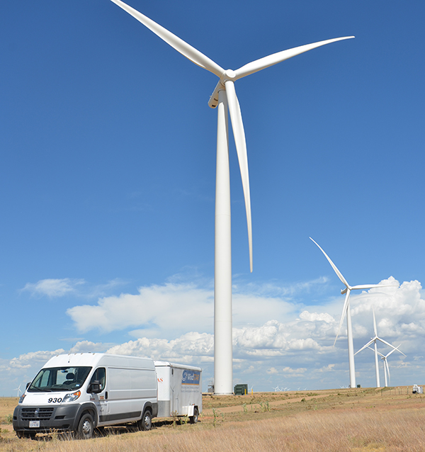 UT Dallas WindSTAR team works to improve the energy of air