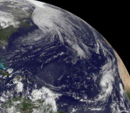 Hurricane watches up in Canada as the GOES-13 Satellite sees Hurricane Igor still expanding