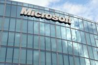Microsoft said it has signed a deal with Amazon.com that lets each company tap into the other's patented technology