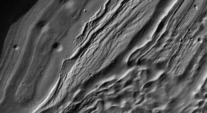 New Martian Views From Orbiting Camera Show Diversity