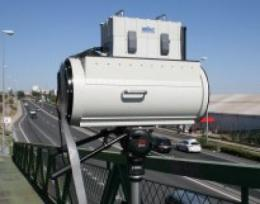 New method for infrared remote sensing to analyze traffic pollution