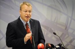Nokia dumps CEO, turns to Microsoft exec (AP)