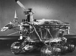 Old Moon Rover Beams Surprising Laser Flashes to Earth