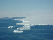 Polar ice caps studied on airborne science mission