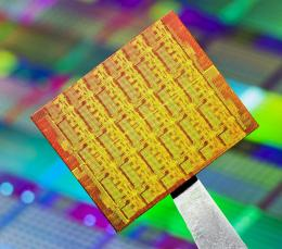Intel's single-chip cloud computer