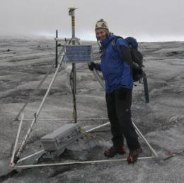 Scientists pioneer wireless sensors to explore little known glacier phenomenon