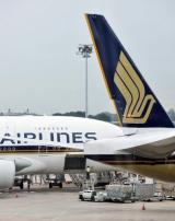 Singapore Airlnes is to introduce electronic magazines onboard