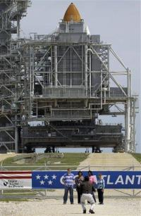 Space center abuzz over Atlantis' last launch (AP)