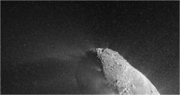 Spacecraft flew through 'snowstorm' on encounter with comet Hartley 2
