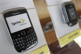 Sprint gains contract subscribers in 4Q (AP)