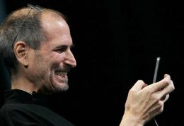 Steve Jobs demonstrates the new iPhone 4